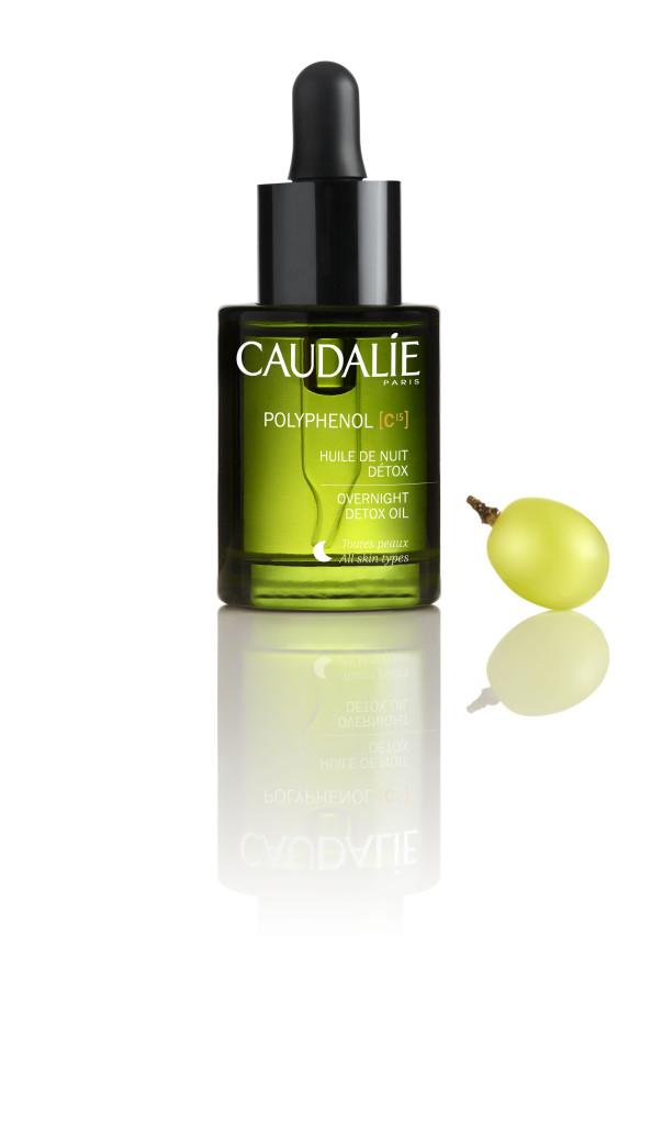 O Huile de Nuit Détox Polyphenol C15 é utilizado em todos os cuidados de rosto dos Spas Vinothérapie®